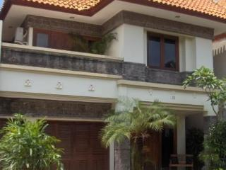 SENANG Villa KUTA ROYAL VILLA Accommodation - Bali - Kuta vacation rentals