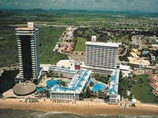 El Cid El Moro Beach Resort, tropical, discount! - Atlantic City vacation rentals