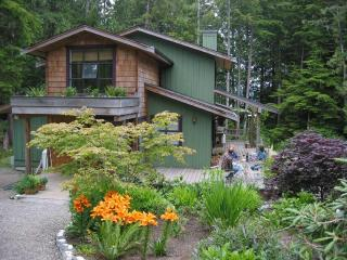 3 BDR Arts & Crafts Home in Botanical Garden - Tofino vacation rentals