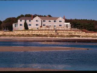 Cape Cod Oceanfront /Vacation/Reunions/Sm Wedding - Bourne vacation rentals