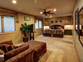 Lux Custom Home Heated Pool/Spa-Close to Strip!!! - Las Vegas vacation rentals