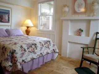 On the beach 1 Bedroom Gulf Apartment - Indian Shores vacation rentals