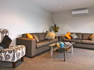 Central Wanaka Townhouse - Wanaka vacation rentals