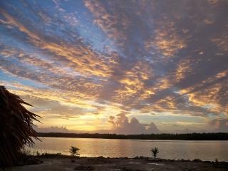 1 bedroom house on the Four Mile lagoon in Corozal - Corozal Town vacation rentals
