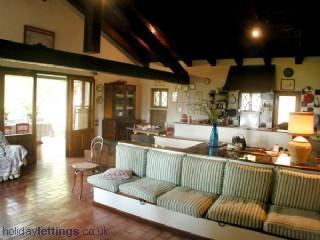 Living room first floor - Cosy country house in the hills around Asolo - Monfumo - rentals