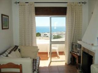 Apt Gwenda, 1 bedroom apartment with seaview - Salema vacation rentals