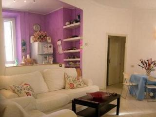 Vatican-Cozy Apt with terrace -The House of Colors - Capri vacation rentals