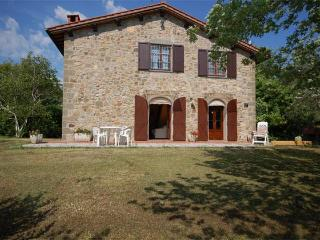 Lovely cottage in beautiful surroundings - Lucca vacation rentals