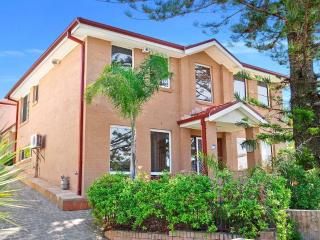 Pinetree Townhouse Terrigal - Terrigal vacation rentals