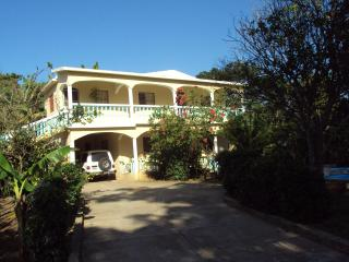 Cabarete's Garden Aptmts 10 min from Beach - Cabarete vacation rentals