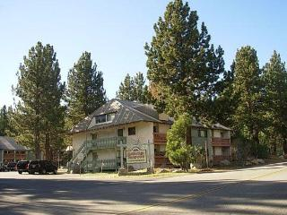 Perfect for a couple, Great In-Town Location - Mammoth Lakes vacation rentals