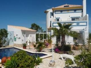 lovely 2 bedroom villa with pool in the algarve - Tavira vacation rentals