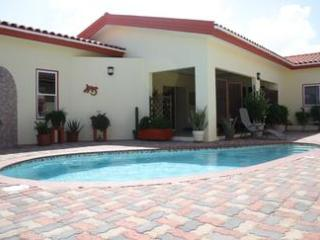 Studio Blenchi, Aruba Studio Apartment - Aruba vacation rentals