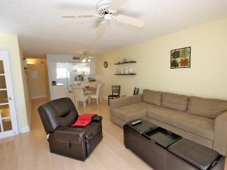 Two Bedroom Beach Vacation Townhouse - Indian Rocks Beach vacation rentals