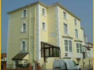 Kenilworth Court Holiday Flats, Southsea - Portsmouth vacation rentals