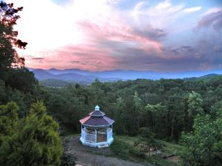 The Guest House at Dogwood Ridge - Awesome View! - Franklin vacation rentals