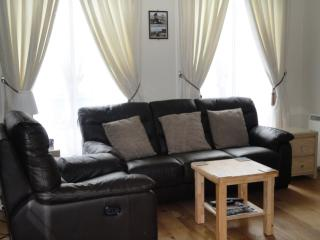 2 bedroom apartment in Edinburgh's City Centre - Edinburgh vacation rentals