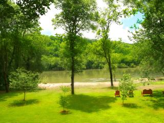 White Riverfront  Luxury Home Trout fish in style - Norfork vacation rentals