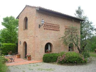 Charming renovated barn in the heart of Tuscany - Montopoli in Val d'Arno vacation rentals