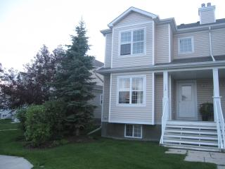 Welcome to my beautiful home in Calgary, Alberta - Calgary vacation rentals