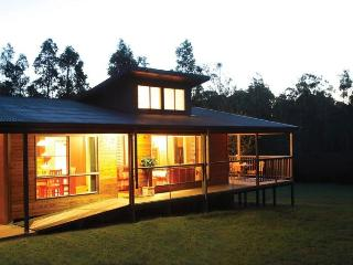 Wattle-Wilde Country Hideaway: Secluded & Romantic - Lovedale vacation rentals