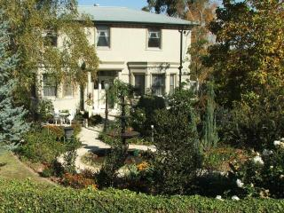 Briardale Bed and Breakfast - Clarke Suite - Albury vacation rentals