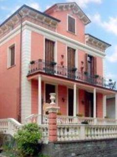 Villa Tre Angeli B&B in thre center of Bedonia, Parma - Villa Tre Angeli B&B - Bedonia - rentals