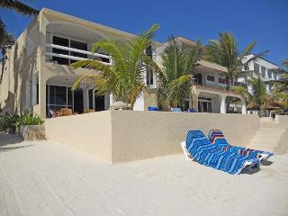 Condo Half Moon Bay | on the beach in North Akumal - Akumal vacation rentals