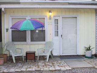 Guest room 2 Bd 2 Ba Town Home 6 Blocks To Beach - Myrtle Beach vacation rentals