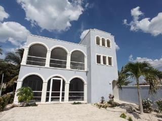 2 Bedrooms With a View of Marina by the Beach - Merida vacation rentals