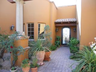 Exquisite Carefree home with pool - Carefree vacation rentals