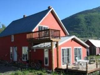 Basecamp Silverton! Riverfront rental, steps to Kendall Mountain, 15 min's to Silverton Mountain! - Silverton, Colorado-2BR Riverfront Vacation Rental - Silverton - rentals