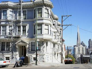 Cable car studio in the heart of San Francisco - San Francisco vacation rentals