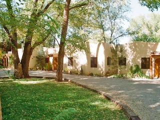 Burch St Casitas Walk to everything! King bed,WIFI - Taos vacation rentals