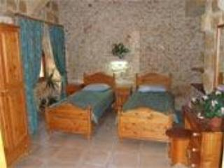 The  main  bedroom  on the  ground  floor. - Ta Pawlu Farmhouse -  Gozo - Xaghra - rentals