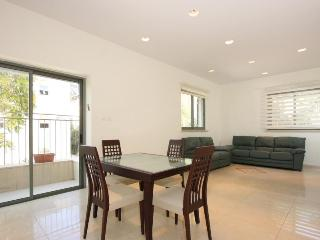 BRAND NEW 2 bed -heart of RECHAVIA!! With PARKING! - Jerusalem vacation rentals