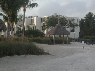 Townhome on  Private Beach, Great Views, Low Rates - Islamorada vacation rentals