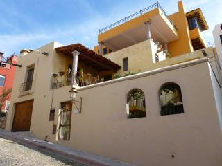 Charming Mexican Home , 2 bed, 2 bath, city views - San Miguel de Allende vacation rentals