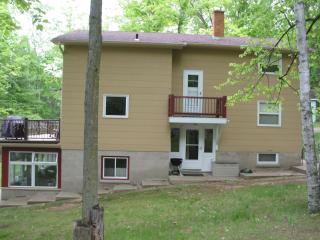 6 Bedroom 3 bath home on Lee Lake Oconto County WI - Pound vacation rentals