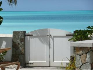 4 bedrooms  villa in Jolly Harbour  with pool - Antigua vacation rentals