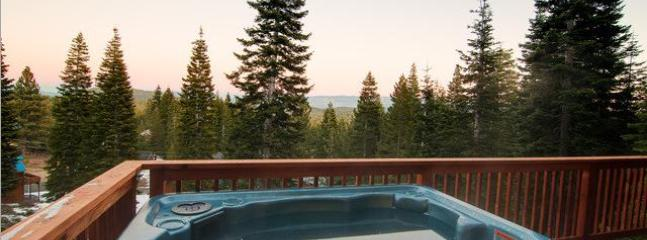 Private Hot tub - Hot Tub - Dog Friendly - 3bed/2ba - Truckee - rentals