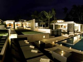 5 bedroom Villa Niloufar - Simply Amazing! - Seminyak vacation rentals