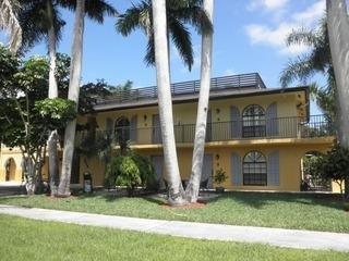Walk to the Beach - Naples vacation rentals