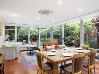 Melbourne Boutique Cottages - Kerferd Luxury Home - Melbourne vacation rentals