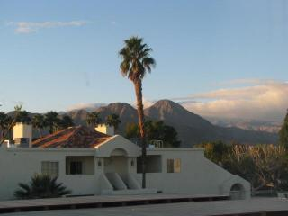 Steps to Pool/Tennis, Mtn Views- 2bed/2bath - Palm Desert vacation rentals