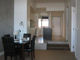 2 Bedroom Modern Apartment Centrally Located - Melbourne vacation rentals