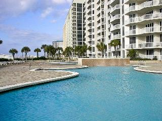 Paradise Awaits in Huge Gulf Front Luxury Condo - Marathon vacation rentals