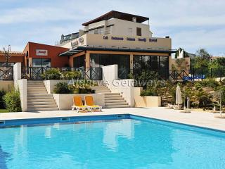 Super affordable apartment in Corcovada, Albufeira - Albufeira vacation rentals