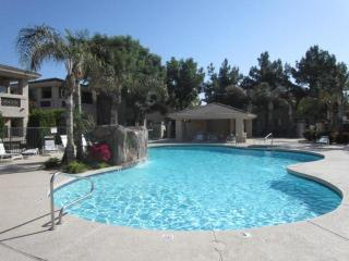 Kierland-Two Bedroom. Easy walk to the Commons!! - Scottsdale vacation rentals