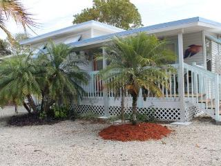 Tommy's Beach  Cottage,  Very Private Pool &  Spa - Fort Myers Beach vacation rentals